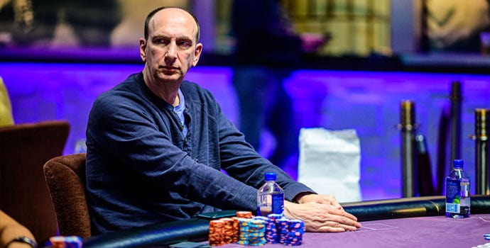 Erik Seidel bermain poker
