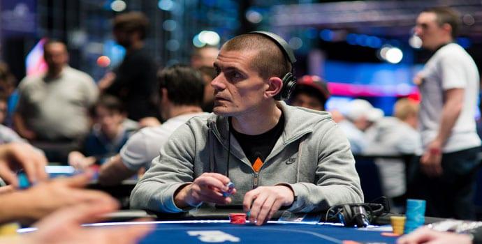Poker pro Gus Hansen in action